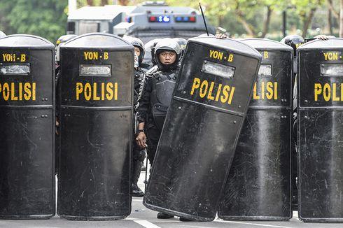 Polda Metro Jaya Buru Penyerang Polisi dengan Senjata Tajam Saat Aksi 1812