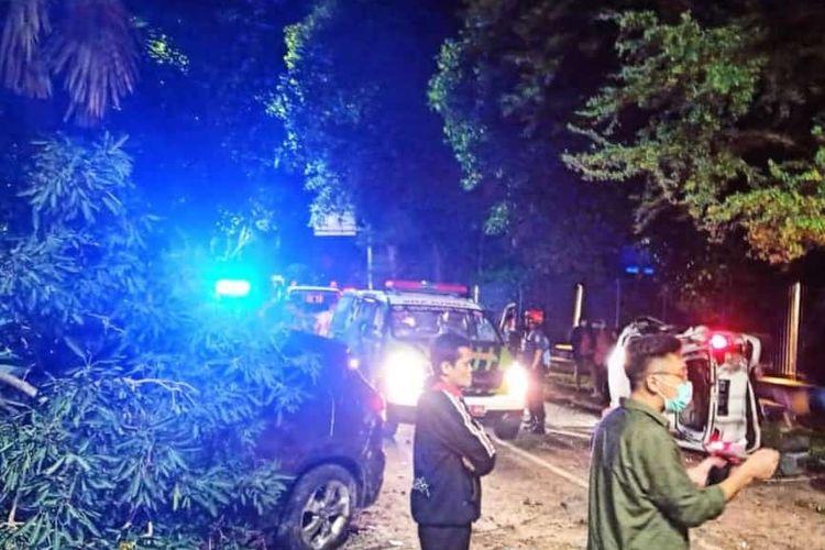 Kecelakaan terjadi di Jalan Brawijaya Raya tepatnya di depan Hotel Bima Sena, Pulo, Kebayoran Baru, Jakarta Selatan pada Senin (20/12/2020) dini hari.