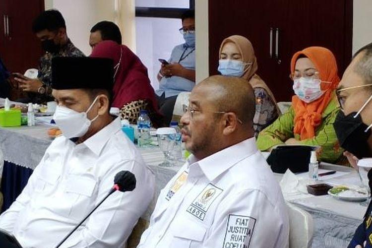Anggota Komisi III DPR RI Aboe Bakar Alhabsyi (kanan) saat melakukan kunjungan kerja (kunker) di Lapas Cipinang, Rabu (18/2/2021).