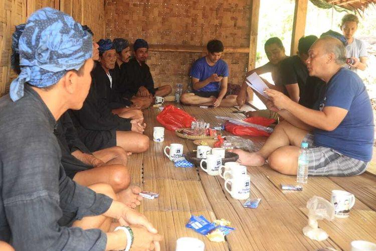 Lembaga Adat Baduy mengesahkan surat permintaan destinasi wisata Baduy dihapus, Sabtu (4/7/2020). Surat ditunjukkan untuk Presiden Joko Widodo.