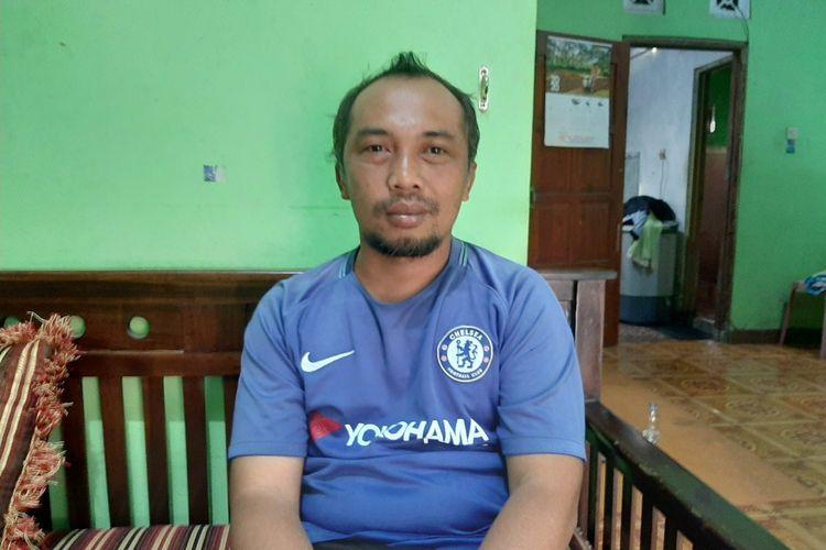 Ketua Komunitas Siaga Merapi (KSM) Desa Glagaharjo, Rambat Wahyudi (39)