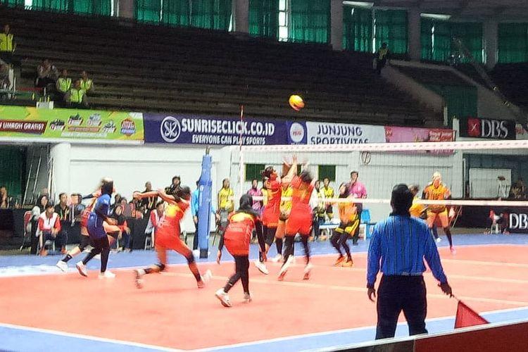 Pertandingan Jakarta PGN Popsivo Polwan menghadapi Bandung Bank BJB Pakuan.
