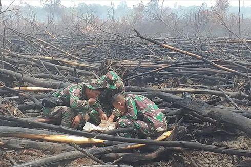 Suka Duka Prajurit TNI Berperang Melawan Kebakaran Hutan...
