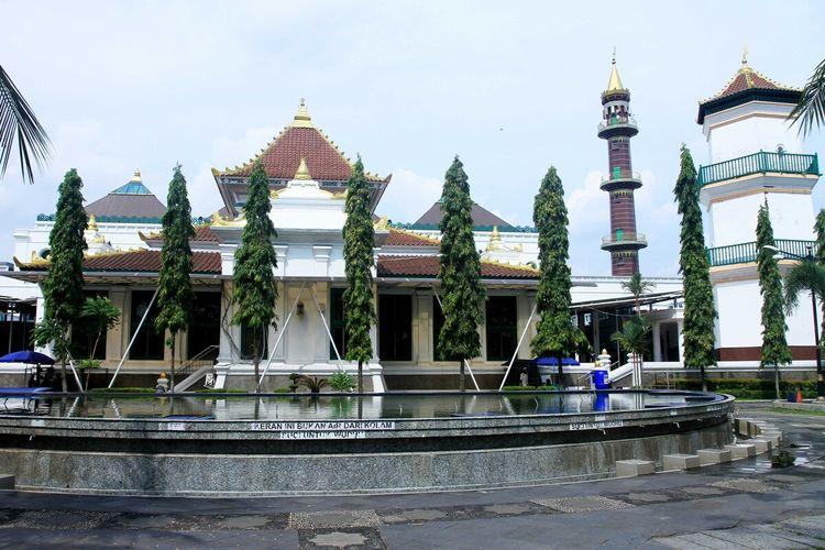 Masji Agung Sultan Mahmud Badaruddin Jayo Wikramo Palembang menerapkan protokol kesehatan dalam pelaksanaan shalat Idul Adha pada Jumat (31/7/2020) besok.