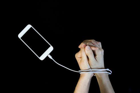 Bisakah Menggunakan Ponsel Terlalu Lama Mengakibatkan Tremor pada Tangan?