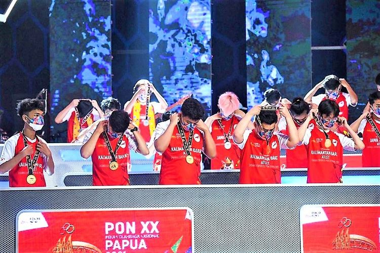 Tim Kalimantan Barat berhasil mendapatkan medali emas dari game Mobile Legends di ajang Ekshibisi E-sports PON XX Papua 2021.