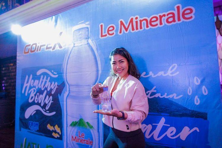 Salah satu fitness influencer di Indonesia, Inge Anugrah terus menerapkan gaya hidup sehat dengan rutin olahraga dan minum air mineral berkualitas.