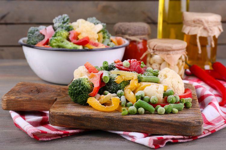 Ilustrasi sayuran beku (frozen vegetables).