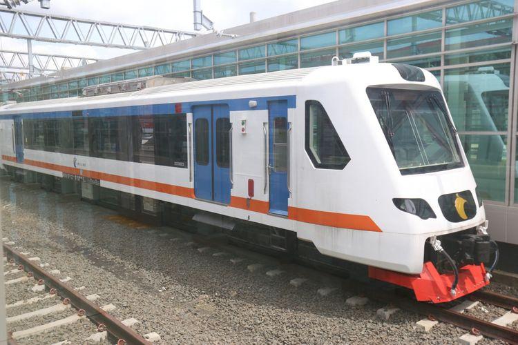 Kereta Bandara saat melakukan uji coba di Stasiun Bandara Soekarno-Hatta akan menuju stasiun Sudirman, Selasa (28/11/2017). Kereta Bandara diperkirankan akan resmi beroperasi pada awal bulan Desember 2017 mendatang