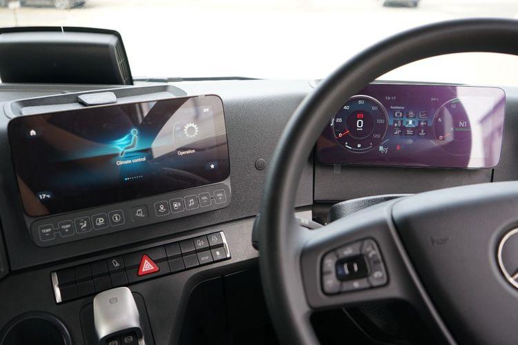 Truk Mercedes-Benz Actros disematkan beragam fitur canggih seperti yang sering dijumpai pada sedan mewah