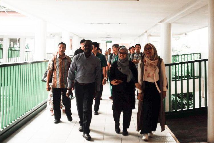 Sejumlah delegasi lintas negara yang tergabung dalam  zona layanan Dompet Dhuafa, mengunjungi kawasan Zona Madina Dompet Dhuafa, beberapa waktu lalu. Kesempatan tersebut menjadi momen Dompet Dhuafa mengenalkan miniatur pemberdayaan kepada para delegasi.