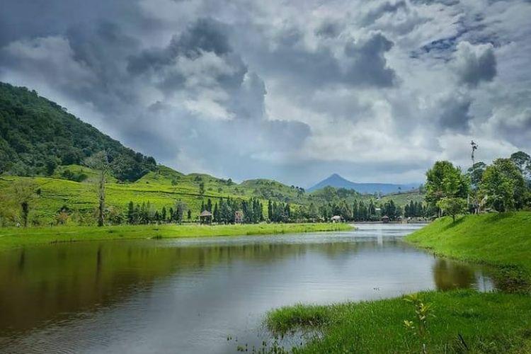 Pemandangan alam di Telaga Saat, Puncak, Bogor
