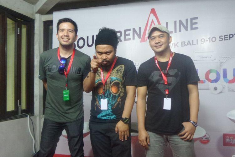 Payung Teduh usai tampil dalam Soundrenaline 2017 di Garuda Wisnu Kencana, Bali, Minggu (10/9/2017).