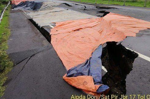 Jalan Tol Cipali Ambles di Km 122, Arah Jakarta Ditutup, Berlaku Contraflow
