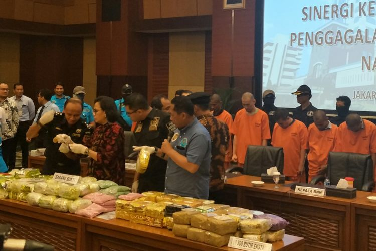 Suasana konferensi pers pengungkapan jaringan peredaran narkotika di Kantor Kementerian Keuangan, Jakarta, Rabu (7/2/2018)