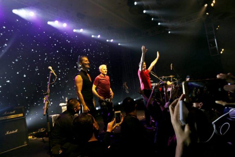 Band legendaris dunia asal Denmark Michael Learns To Rock (MLTR) yang terdiri dari Jascha Richter, Kare Wanscher dan Mikkel Lentz berhasil membuat ribuan penggemarnya hanyut dalam nostalgia tahun 90an.