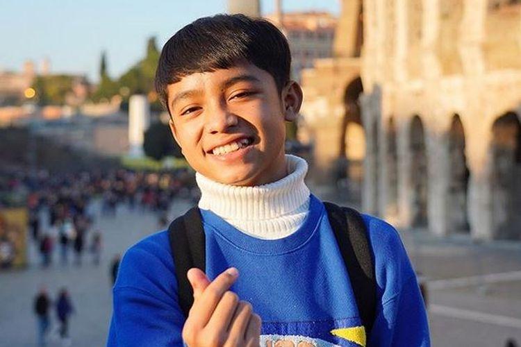 Penyanyi yang juga anak angkat Ruben Onsu-Sarwendah Tan, Betrand Peto Putra Onsu