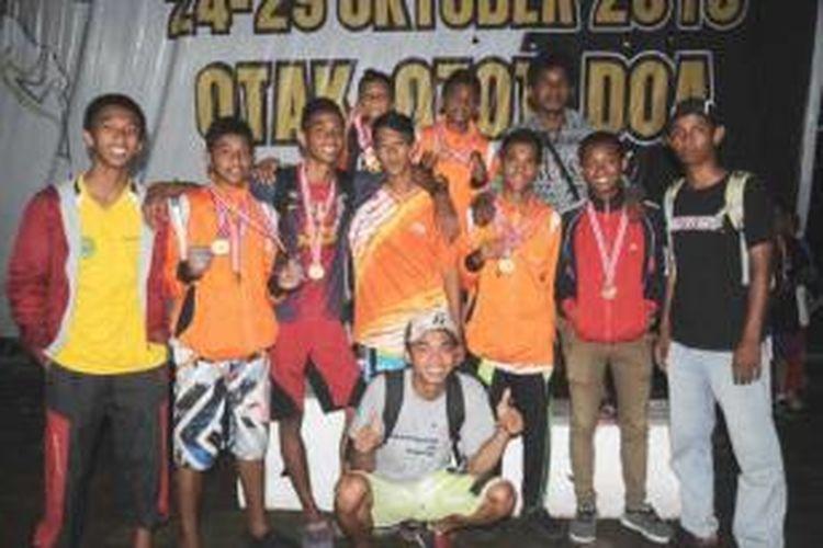 Atlit Panjat Tebing Nunukan saat menjuarai Piala Menpora dengan 8 emas dan 2 perunggu di Samarinda 2013.