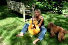 Lirik dan Chord Lagu Coming Around Again - Carly Simon