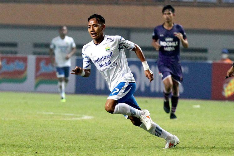 Pemain muda Persib Bandung Beckham Putra saat melawan Persita Tangerang pada pekan 2 Liga 1 2021-2022 yang berakhir dengan skor 1-2 di Stadion Wibawa Mukti Bekasi, Sabtu (11/9/2021) malam.