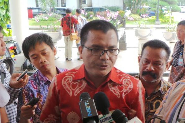 Mantan Wamenkumham Denny Indrayana di Kantor Sekretaris Negara, Jakarta, Jumat (5/3/2015).