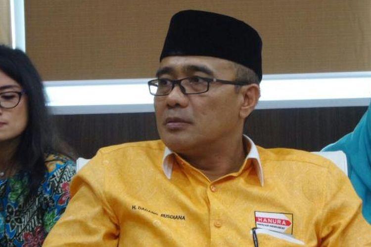 Sekretaris Fraksi Partai Hanura di DPR, Dadang Rusdiana di Kompleks Parlemen, Senayan, Jakarta, Kamis (19/1/2017).