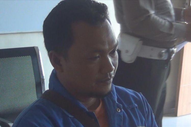 Muhammad Solihin, sopir crane yang ditetapkan jadi tersangka tabrakan antara kereta api angkutan batubara dengan kendaraan crabe senin malam di Prabumulih