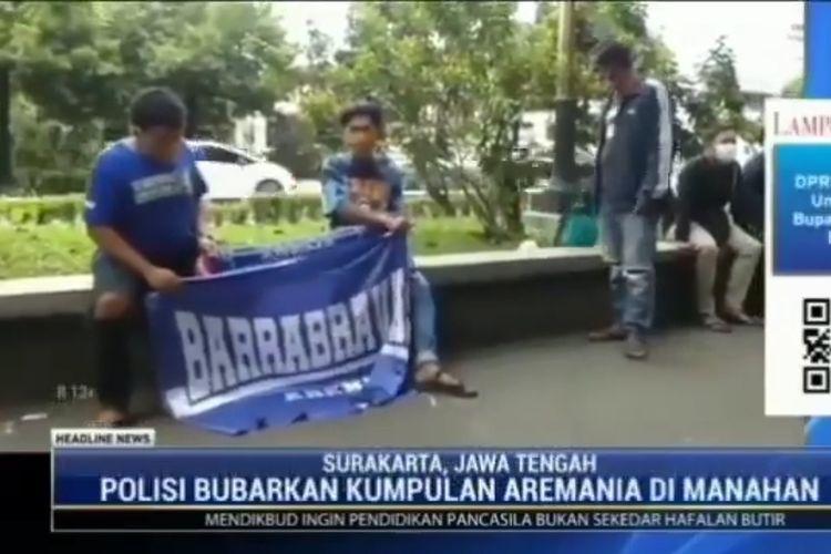 Tangkapan layar  Aremania yang rekat datang ke Stadion Manahan Solo, Minggu (21/03/2021) siang.
