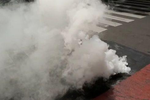 Viral Jalan di Bandung Keluarkan Asap, DPU: Bukan Kabel yang Terbakar