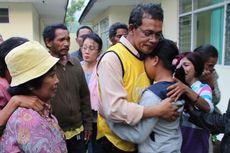 Isak Tangis Keluarga Warnai Penahanan Ketua DPRD TTU