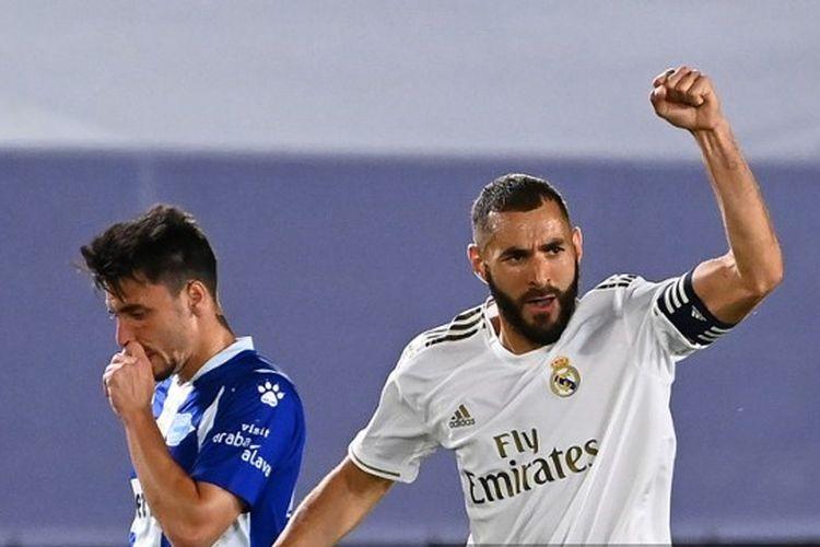 Karim Benzema dalam laga Real Madrid vs Alaves pada pekan ke-35 La Liga - kasta tertinggi Liga Spanyol - musim 2019-2020.