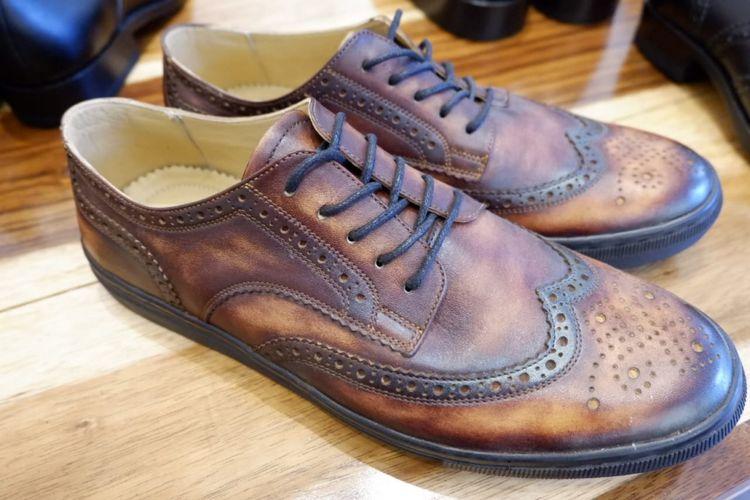 Salah satu sepatu produksi Minen Leather di Bandung.