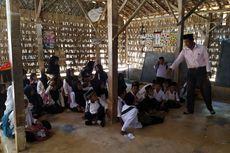 Kisah Siswa Madrasah di Pamekasan, Belajar di Gubuk Reyot dan Pinggir Kuburan