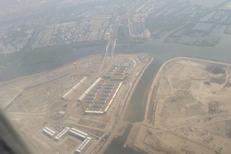 Penampakan Pulau C dan D dari atas udara, Jumat (19/10/2018). Pulau C dan D adalah bagian dari 17 pulau proyek reklamasi yang tadinya sempat akan dibangun di Teluk Jakarta.