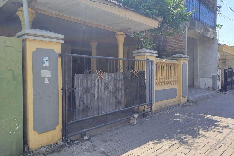 Sepi Rumah korban yang berada di RT01 RT 3 Desa Wedoro Sidoarjo, Selasa (7/9/2021).