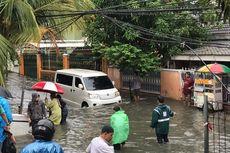 Pemprov DKI Distribusikan Perahu hingga Masker Kain untuk Penanggulangan Banjir