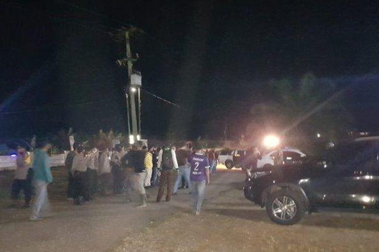 Ratusan orang mengadang polisi. Peristiwa itu terjadi saat polisi melakukan upaya penertiban penambangan emas tanpa izin (PETI) di wilayah hukum Polres Bungo. (Tribun Jambi/Istimewa)