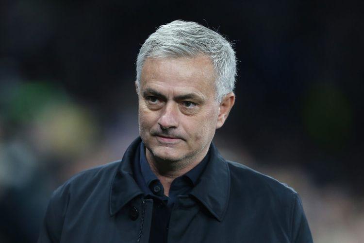 Dibanding Rumah, Jose Mourinho Lebih Senang Tinggal di Hotel