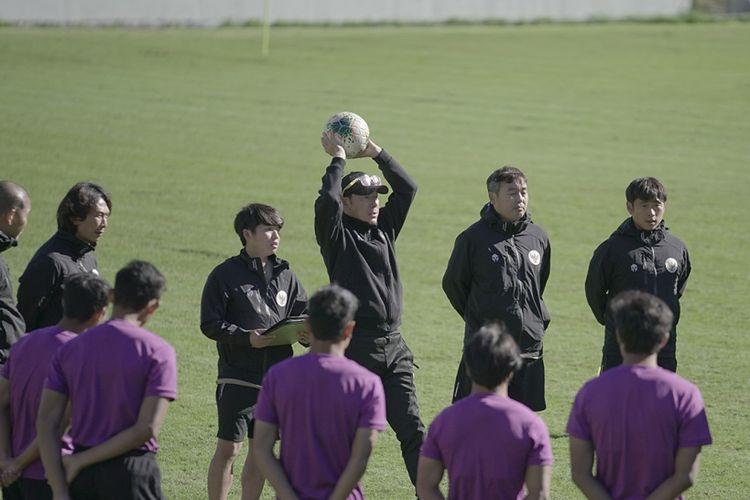 Pelatih timnas U19 Indonesia, Shin Tae-yong, memimpin TC di Kota Split, Kroasia.
