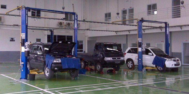 Aktivitas bengkel Suzuki