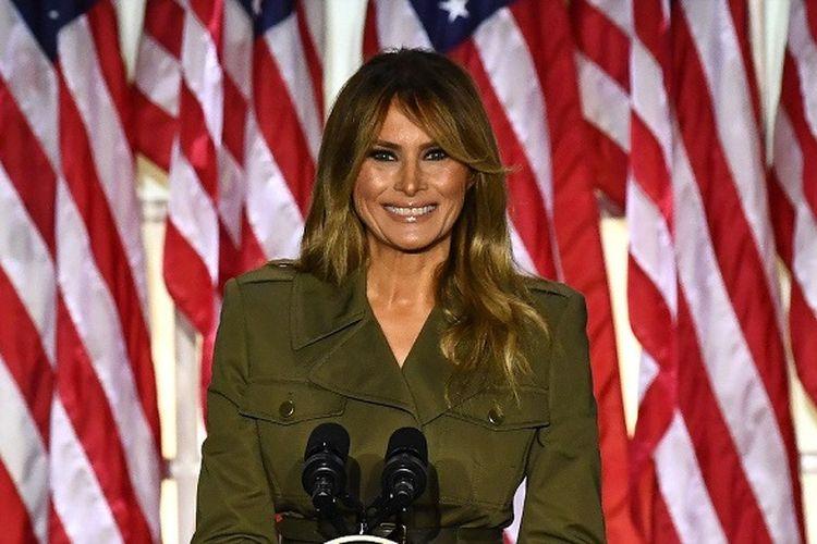 Ibu Negara Amerika Serikat Melania Trump menyampaikan pidato dukungan kepada suaminya Presiden Donald Trump dari Gedung Putih pada hari kedua Konvensi Nasional Partai Republik, Selasa malam (25/08/2020)
