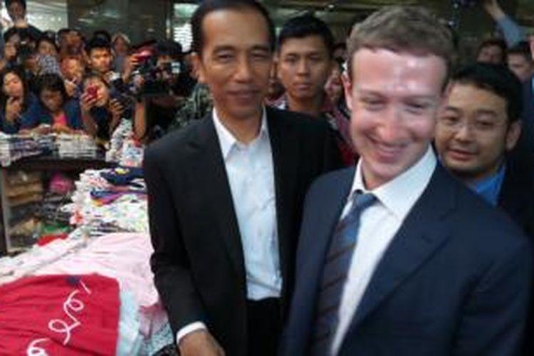 Joko Widodo mengajak Bos Facebook Mark Zuckerberg blusukan ke Tanah Abang, Jakarta Pusat, Senin (13/10/2014).