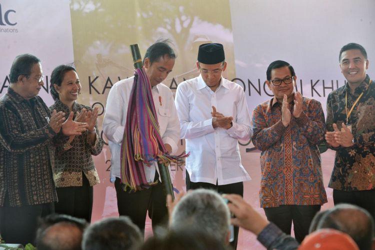 Presiden Joko Widodo meresmikan Kawasan Ekonomi Khusus Mandalika, Nusa Tenggara Barat, Jumat (20/10/2017).