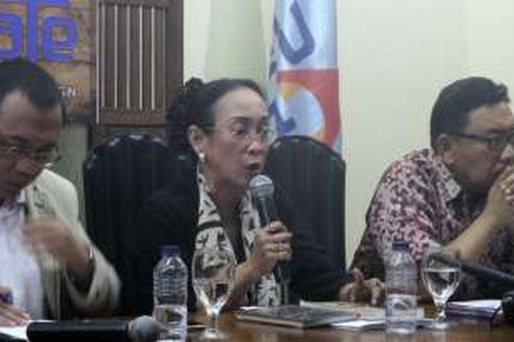 Sukmawati Soekarnoputri, putri dari Presiden Pertama RI Soekarno, saat ditemui di kantor PARA Syndicate, Jakarta Selatan, Jumat (30/9/2016).