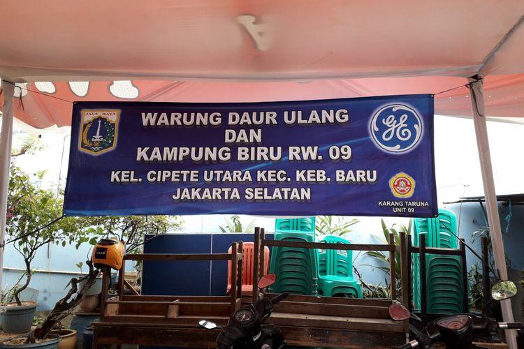 Bank sampah dan posko daur ulang RT 03 RW 09, Kelurahan Cipete Utara Jaksel, Rabu (5/9/2018)
