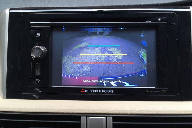Head unit Mitsubishi Xpander dapat berfungsi sebagai monitor area belakang saat mundur
