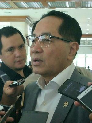 Wakil Ketua Baleg DPR Firman Soebagyo di Kompleks Parlemen, Senayan, Jakarta, Selasa (9/1/2018)