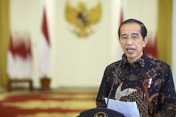Presiden Joko Widodo atau Jokowi saat memutuskan untuk perpanjang kebijakan PPKM Level 4 hingga 9 Agustus 2021 di Istana Bogor, Senin (2/8/2021).
