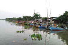 Ngabuburit di Atas Perahu Pesiar ala Kampung Nelayan Randuboto Gresik