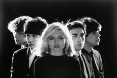 Lirik dan Chord Lagu Call Me - Blondie